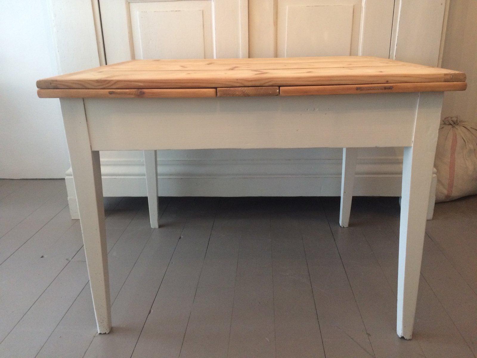 Antiker ausziehbarer Tisch
