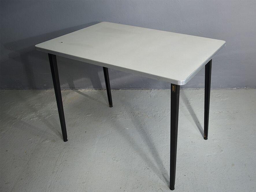Reform Tisch von Friso Kramer für Ahrend De Cirkel, 1950er