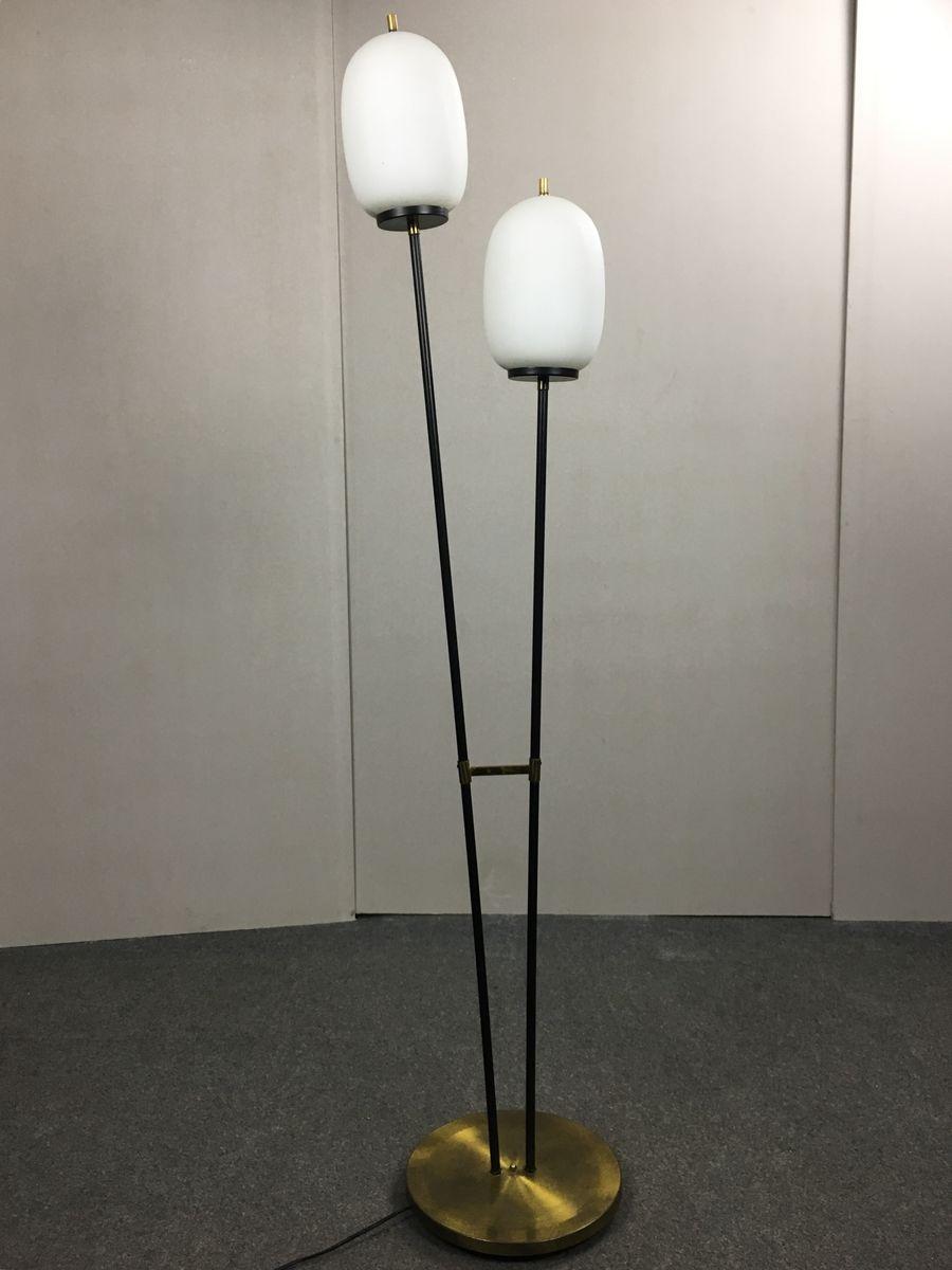 Stehlampe aus Opalglas von Stilnovo, 1950er