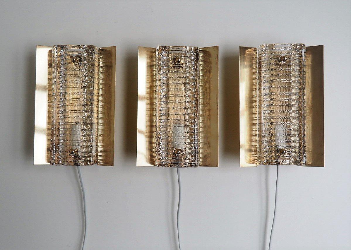 Dänische Modell 15903 Wandlampen aus Messing mit dicken Glasschirmen v...