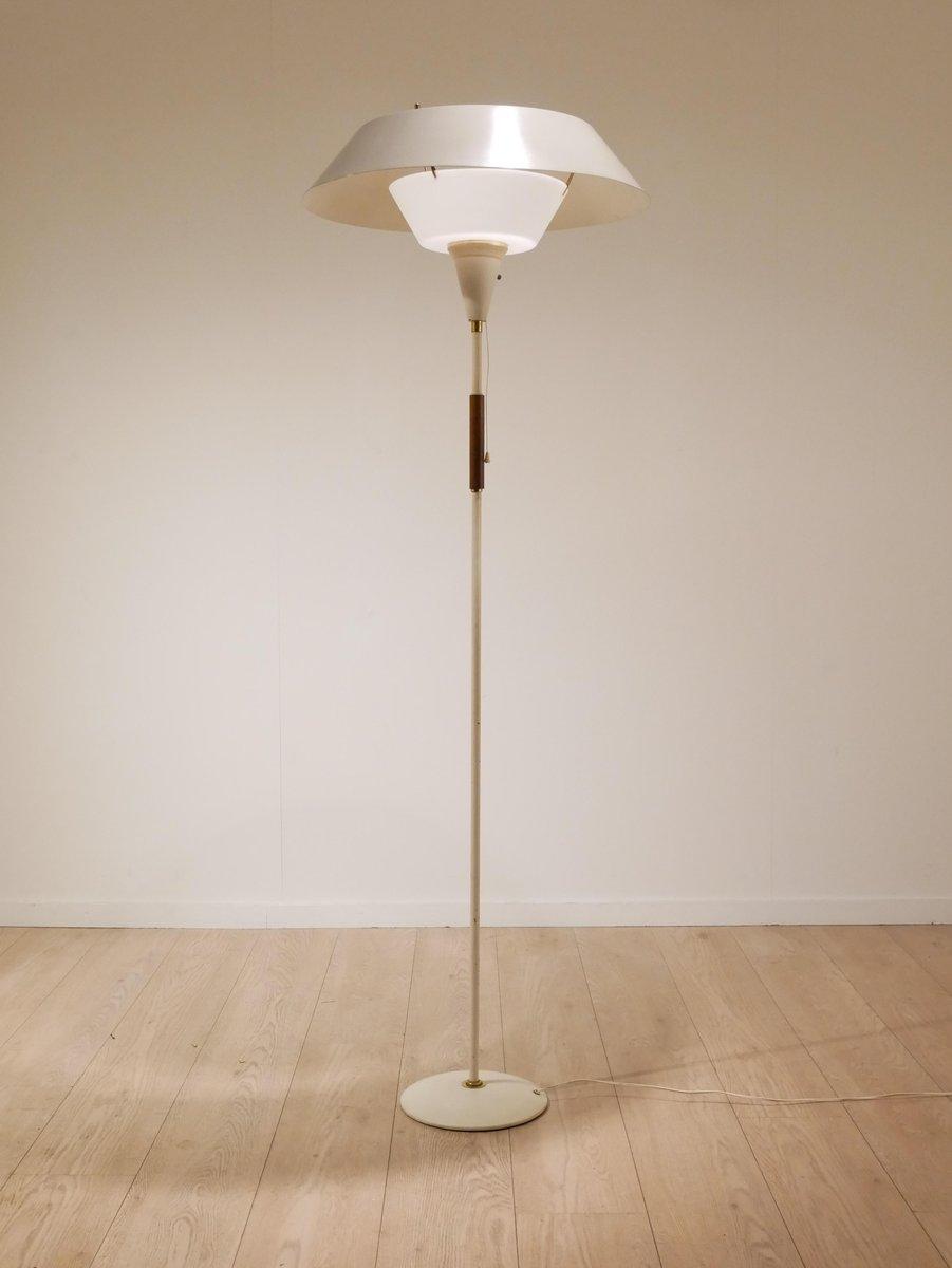 Skandinavische Mid-Century Stehlampe aus Metall & Holz