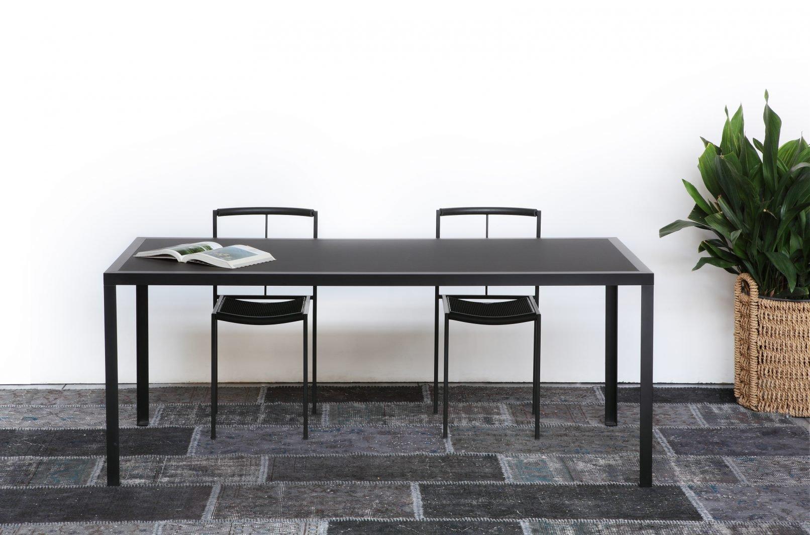 Schwarzer TAVOLO Esstisch mit Tischplatte aus Linoleum von Maurizio Pe...