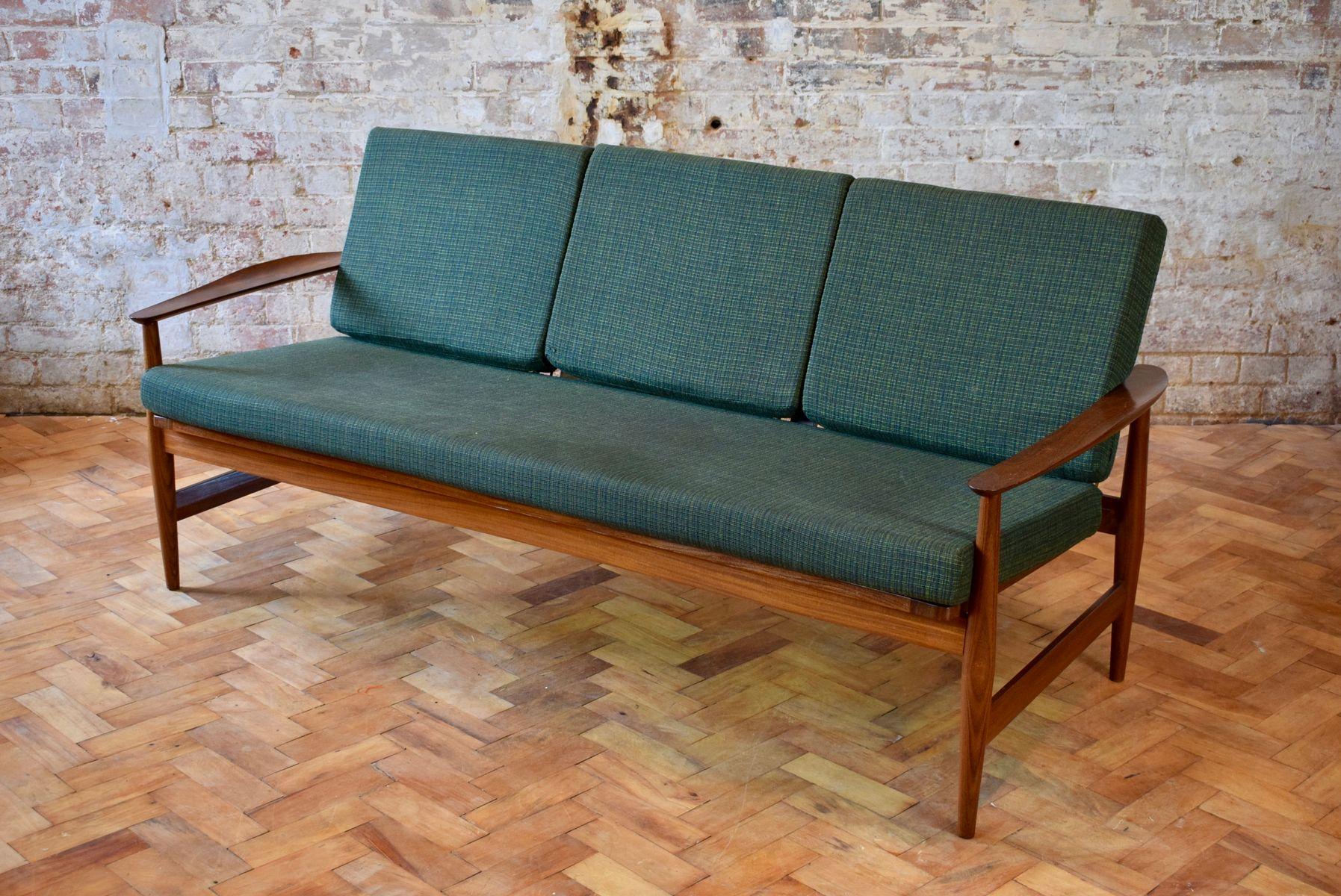 Dänisches Mid-Century 3-Sitzer Sofa mit Teak Rahmen