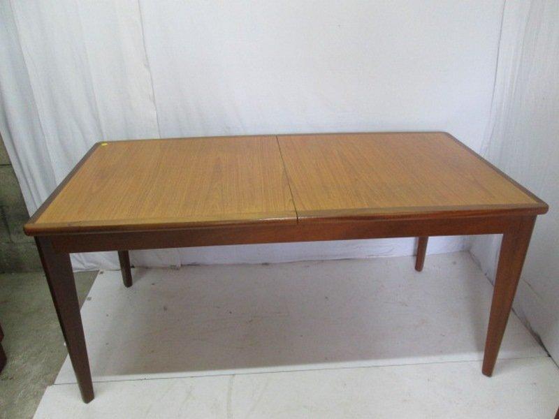 Ausziehbarer Vintage Esstisch aus Teak