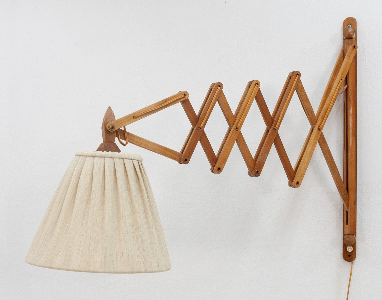 Große dänische Mid-Century Scherenlampe aus Holz
