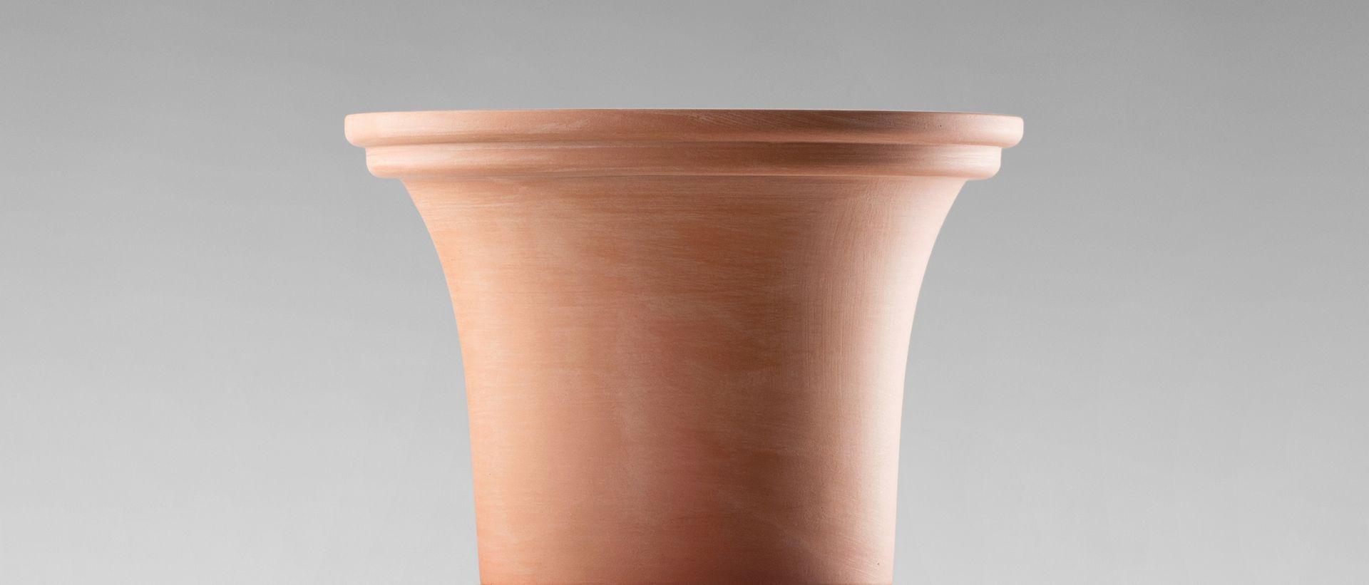 mini 01 hybrid vase in wei schwarz hellem pink von tal batit bei pamono kaufen. Black Bedroom Furniture Sets. Home Design Ideas