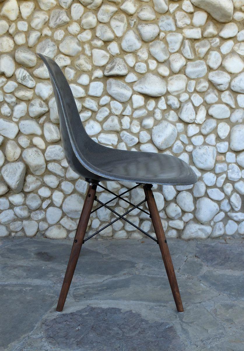 elefantengrauer dsw stuhl mit stiftbeinen von charles ray eames f r herman miller 1960er bei. Black Bedroom Furniture Sets. Home Design Ideas