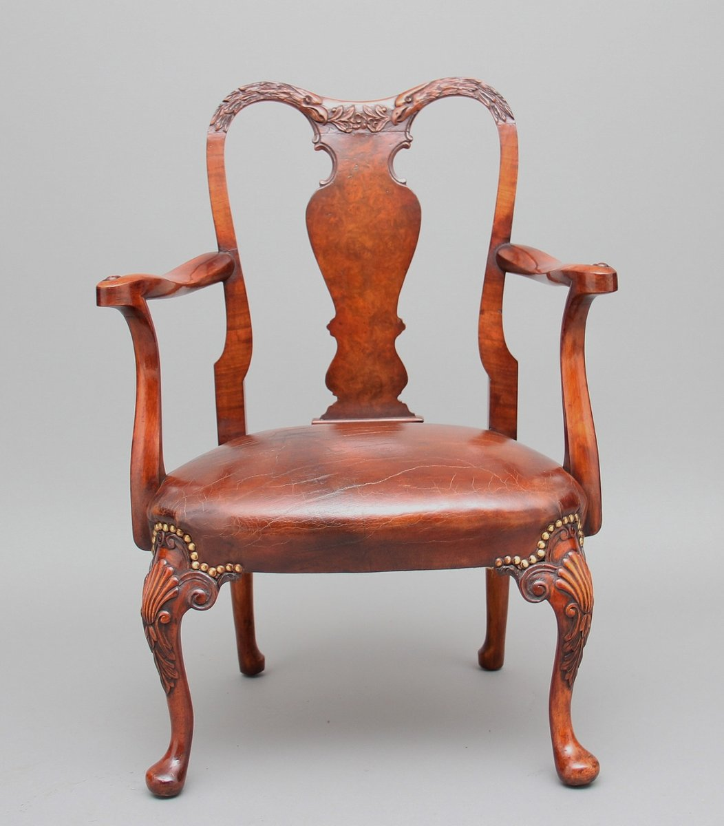 Vintage Queen Anne Style Childs Chair - Vintage Queen Anne Style Childs Chair For Sale At Pamono