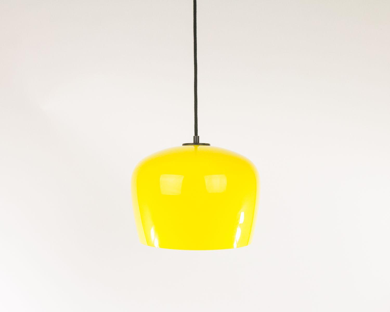 Gelbe Hängelampe aus Glas von Alessandro Pianon für Vistosi, 1960er