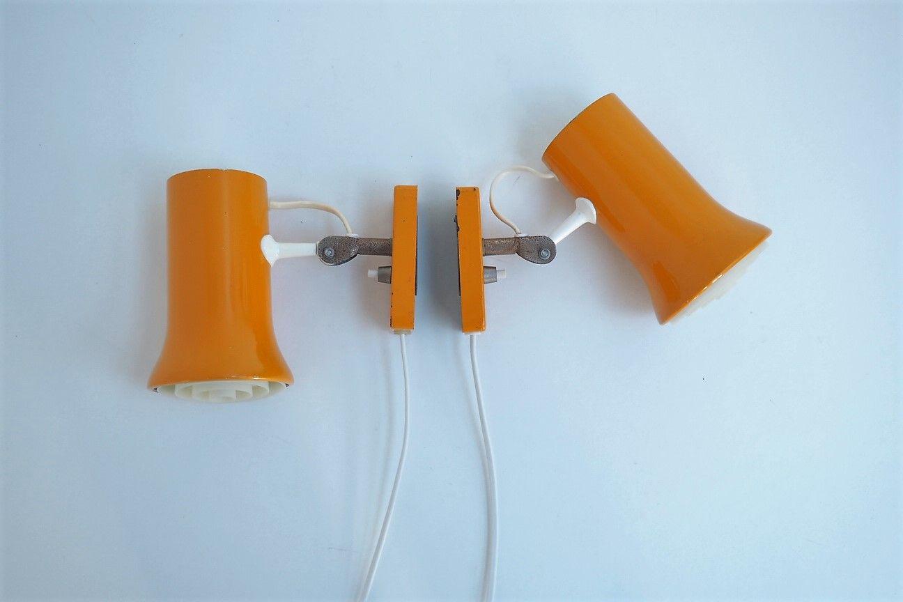 Gelbe Vintage Wandlampen von Lyskaer Belysning, 1970er, 2er Set