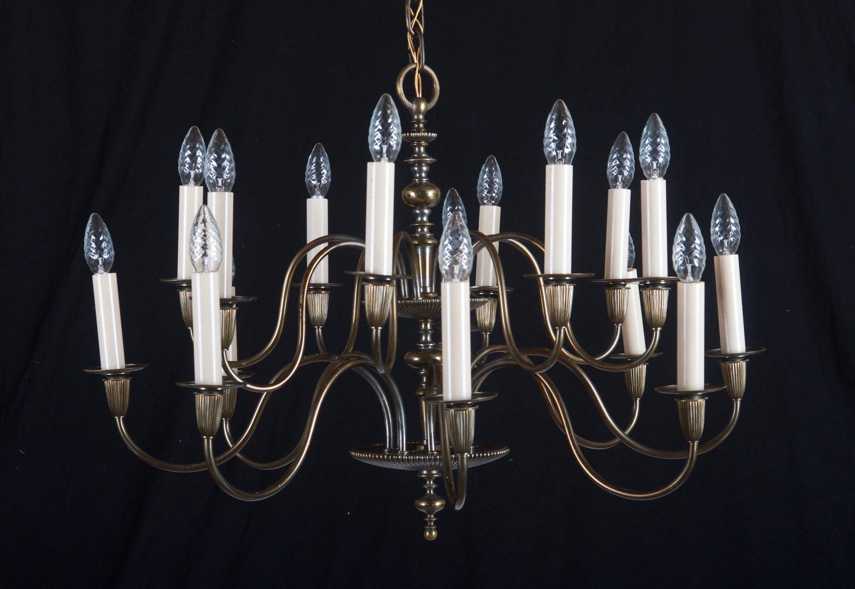 Großer 16-armiger Vintage Kronleuchter aus Messing
