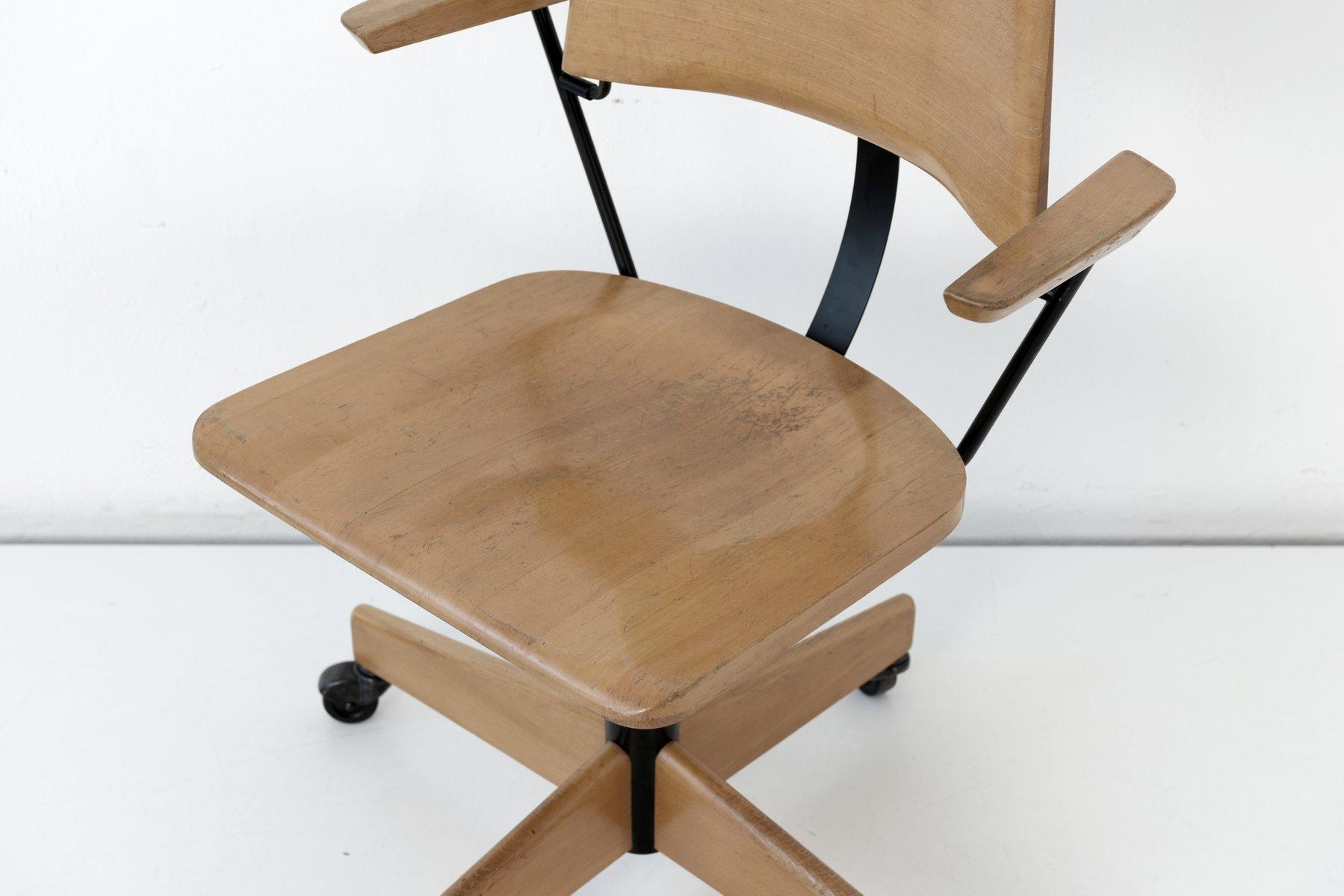 schreibtischstuhl auf rollen von stoll giroflex 1969 bei pamono kaufen. Black Bedroom Furniture Sets. Home Design Ideas
