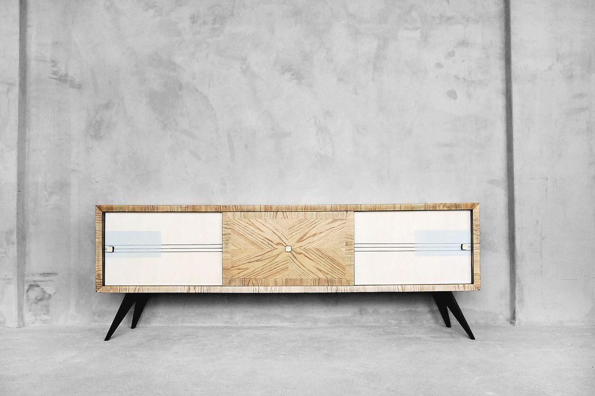 Mid-Century Schrank aus Eschenholz mit handbemaltem Muster, 1960er