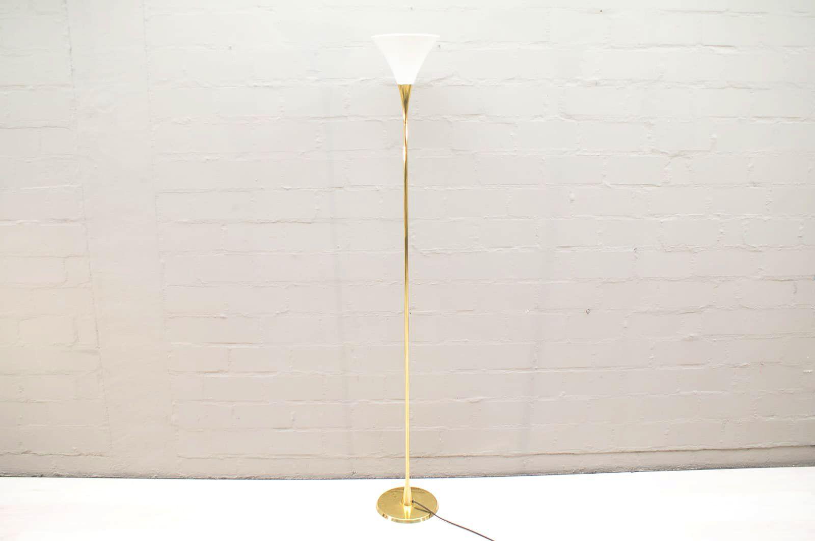 Italienische Stehlampe aus Messing & Porzellan, 1960er