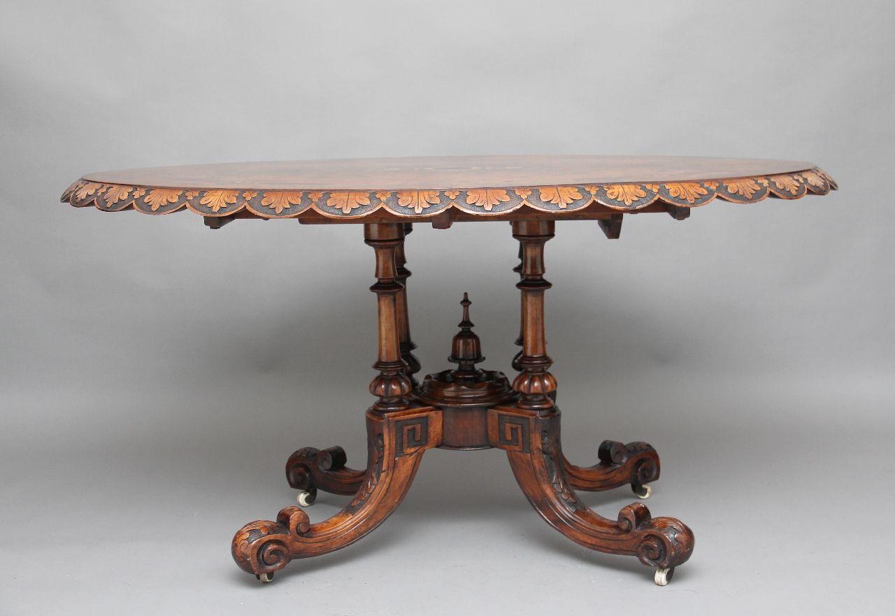 Runder antiker Tisch aus Wurzel- & Nussholz