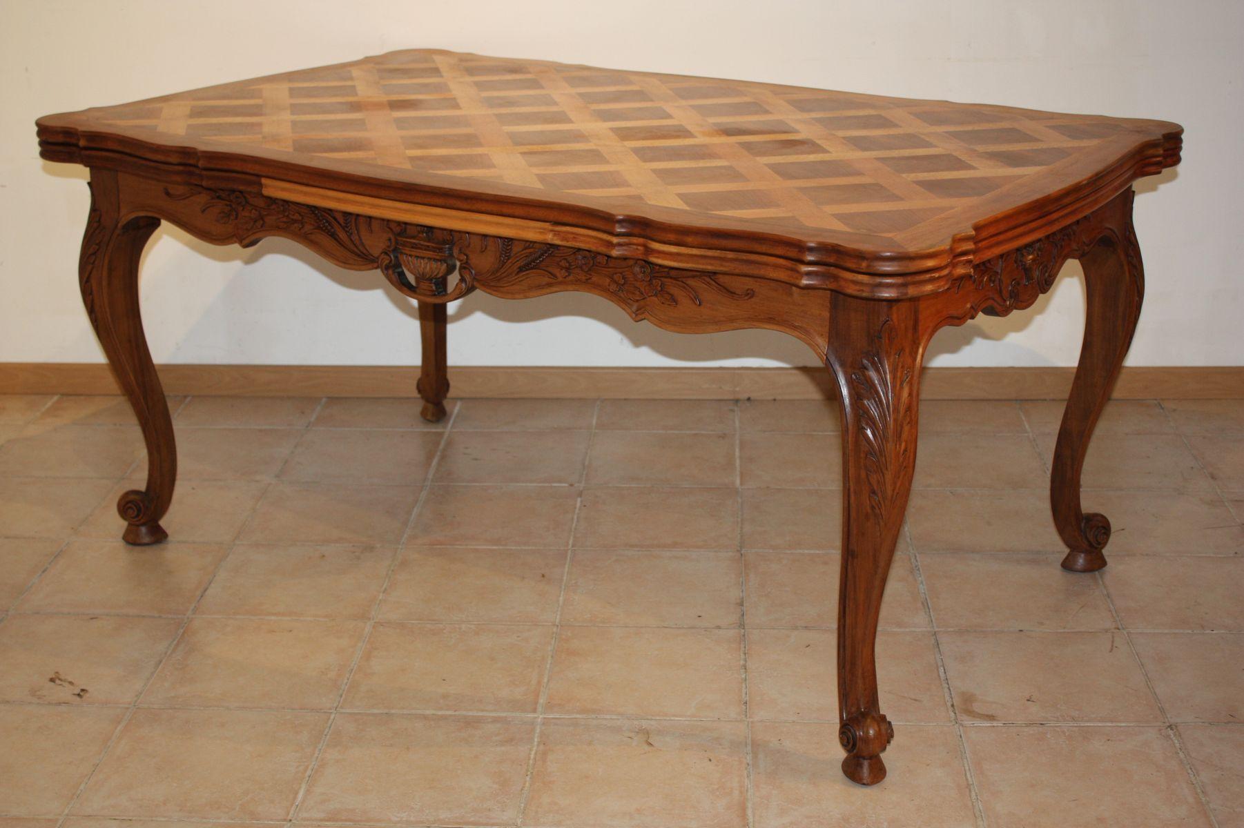 Tisch aus Nussholz, 1930er