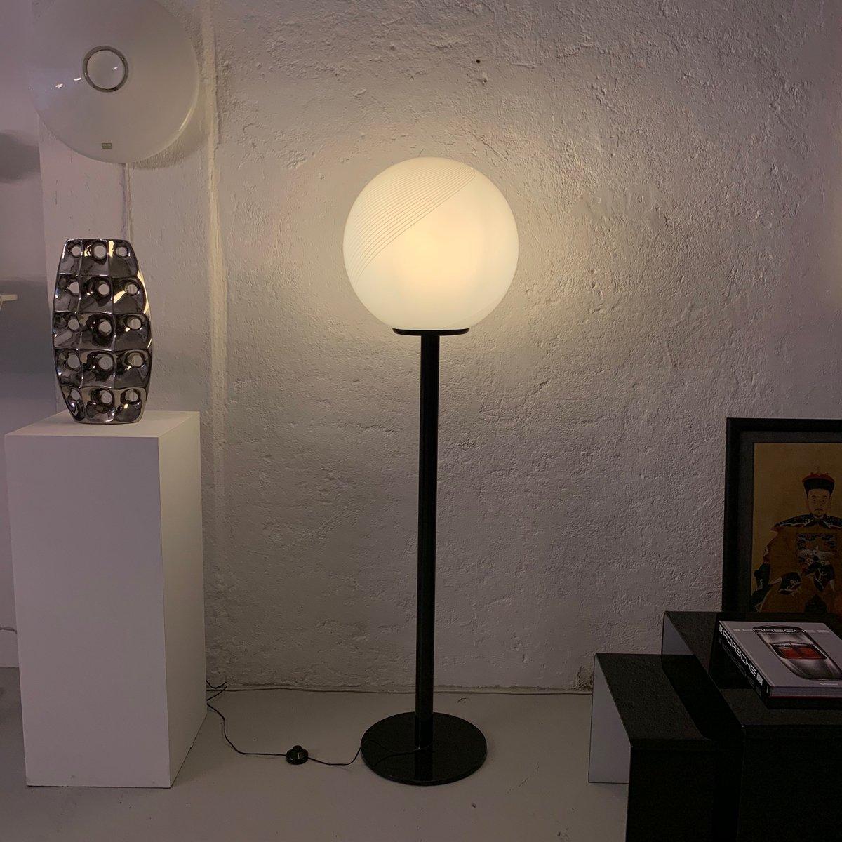 Kugelförmige Vintage Stehlampe