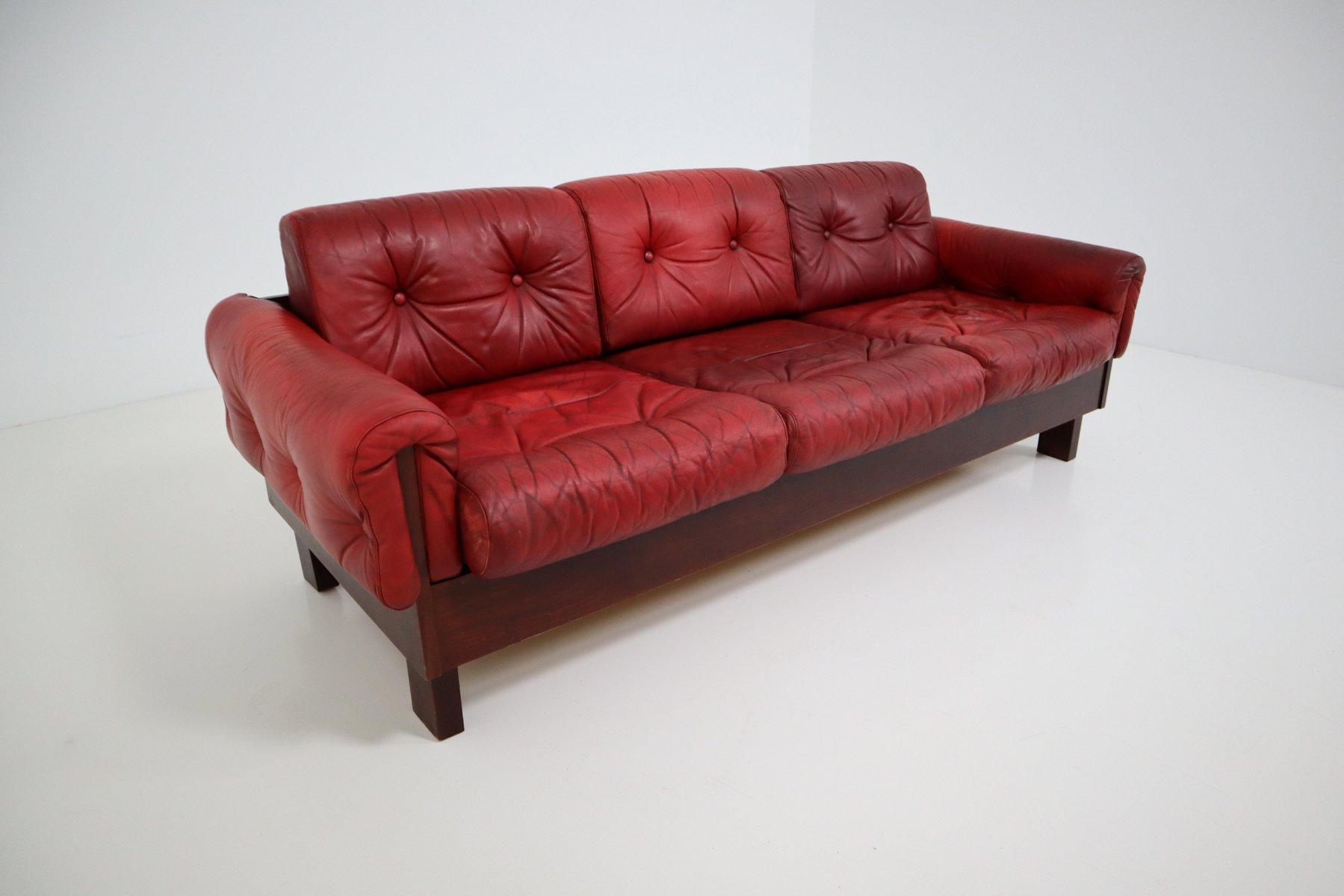 Divano a tre posti in pelle rossa anni 39 70 in vendita su for Divano tre posti