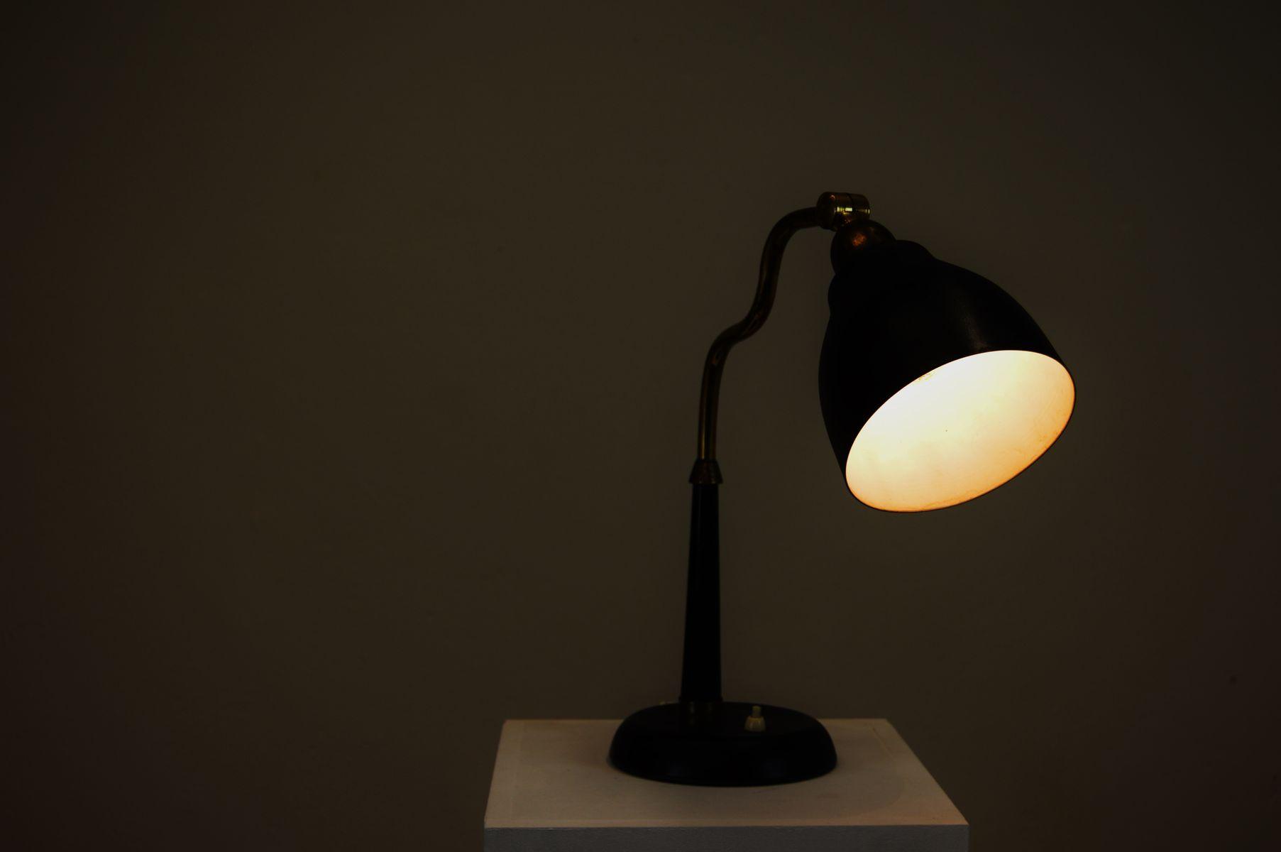 Lampe de bureau moderne scandinave en laiton et métal noir de ehab