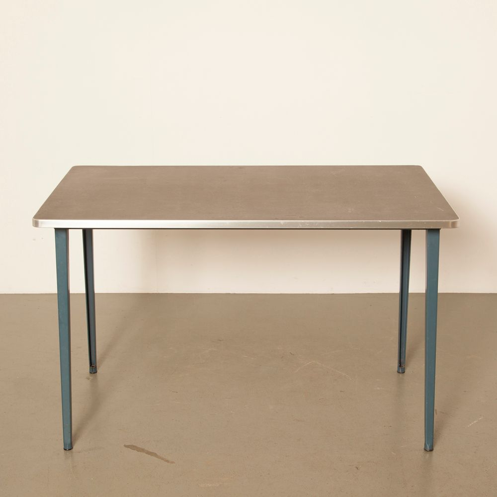 Reformierter Vintage Tisch von Friso Kramer für Ahrend De Cirkel