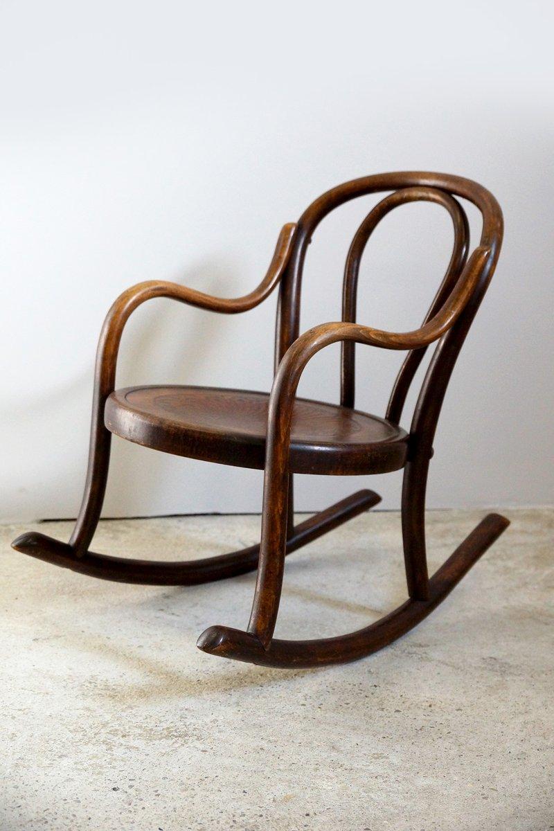 schaukelstuhl f r kinder aus buchenholz von fischel 1910er bei pamono kaufen. Black Bedroom Furniture Sets. Home Design Ideas