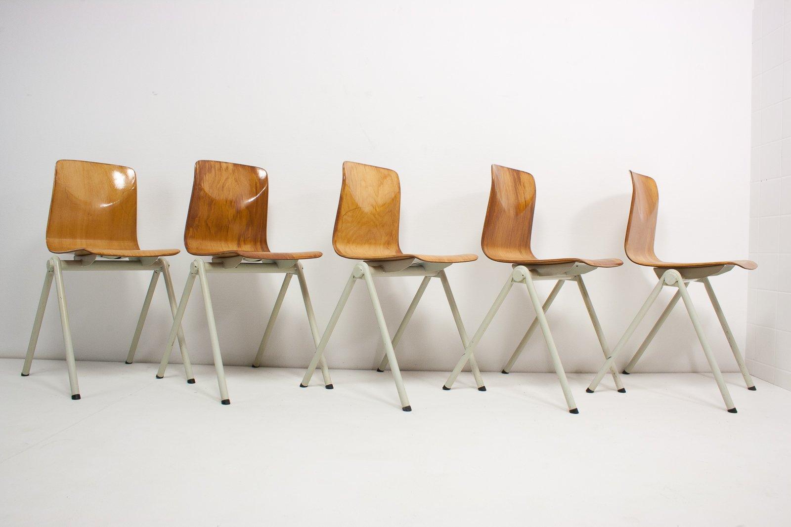 Sedie industriali vintage, set di 5 in vendita su Pamono