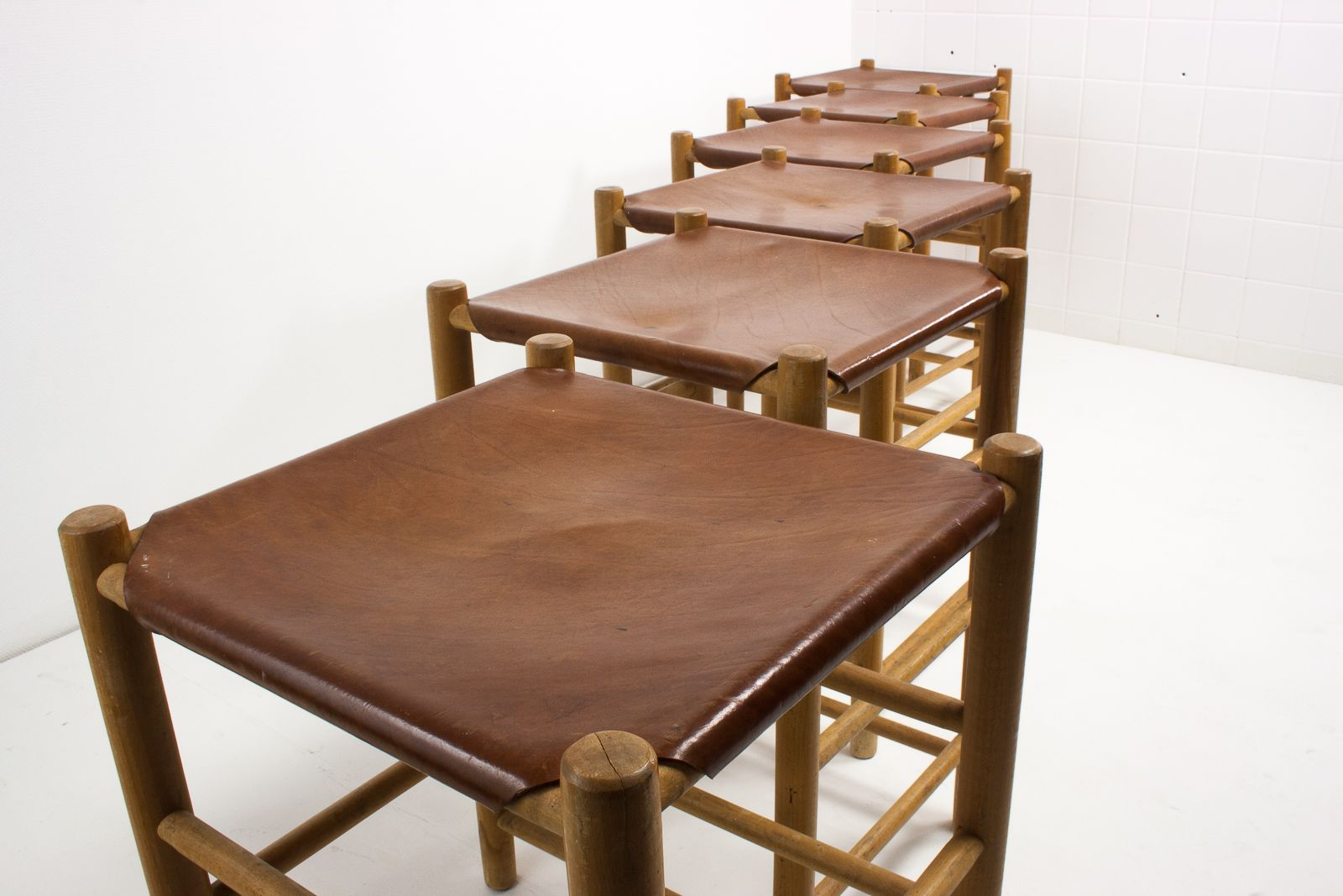 hocker aus birke leder von ate van apeldoorn f r houtwerk hattem 1960er 6er set bei pamono. Black Bedroom Furniture Sets. Home Design Ideas