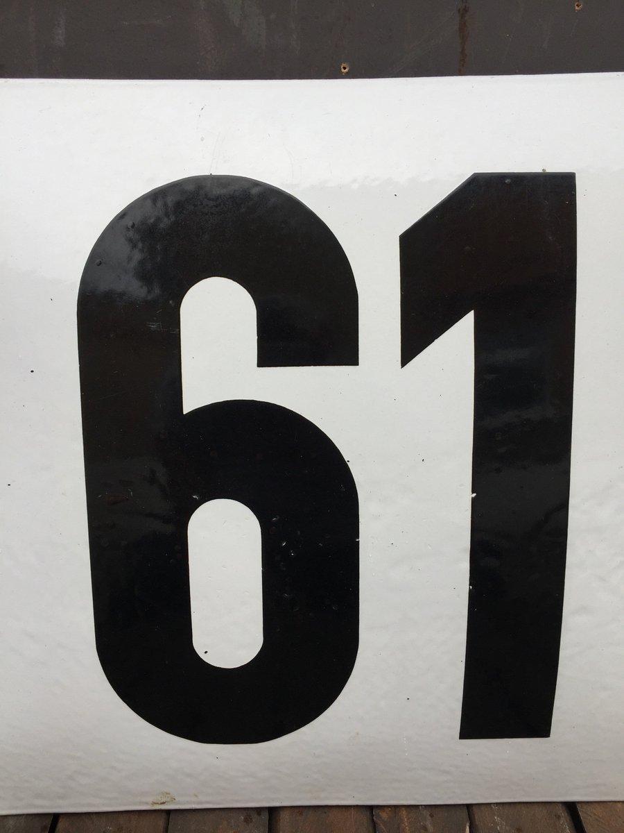 Grand Plat Numéro 61 Émaillé Antique, Allemagne En Vente