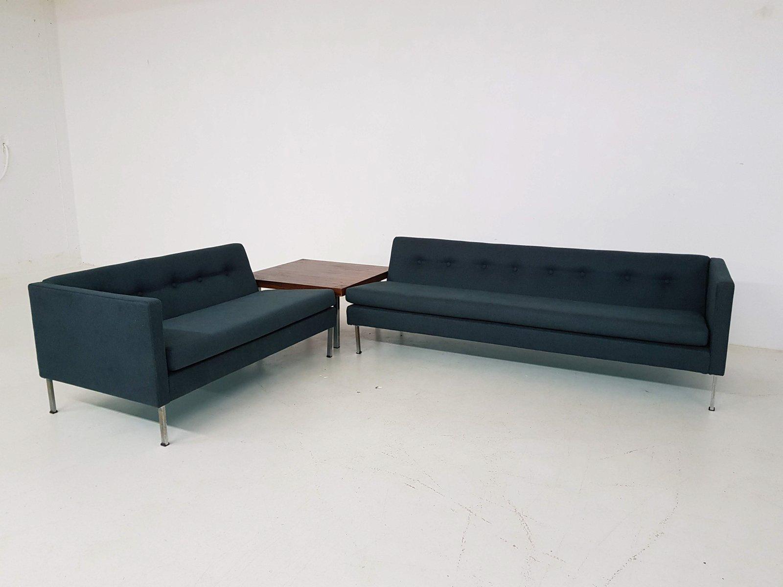 2 Dunkelgrune Sofas Und Couchtisch Von Artifort 1960er Bei Pamono