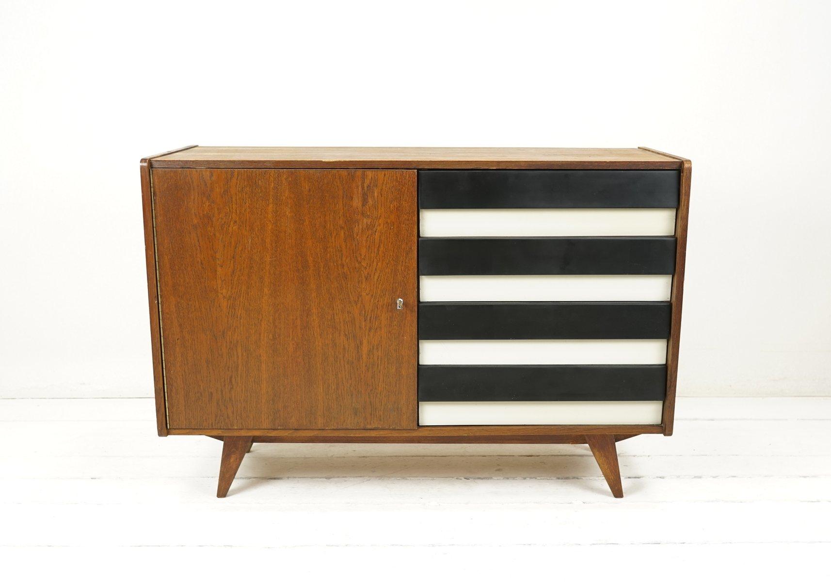 mid century sideboard in schwarz wei von ji jiroutek f r interier praha bei pamono kaufen. Black Bedroom Furniture Sets. Home Design Ideas