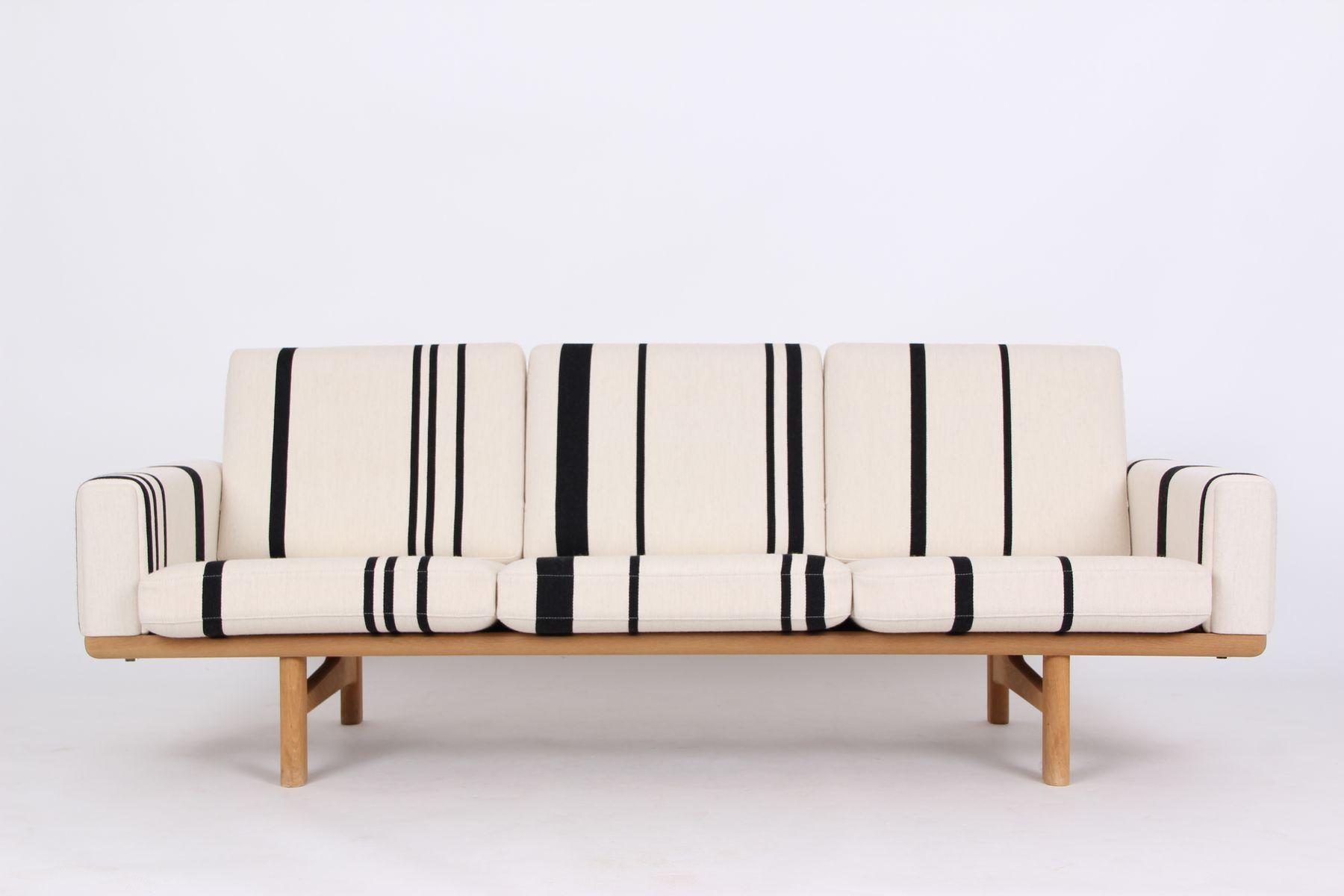 Vintage Modell GE236 3-Sitzer Sofa aus Eiche von Hans J. Wegner für Ge...