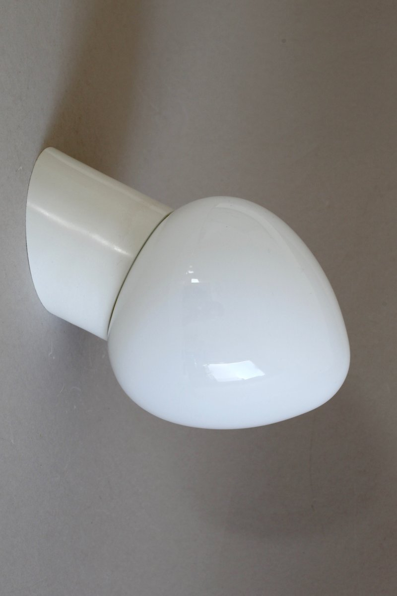 Wandlampe aus Opalglas, 1950er