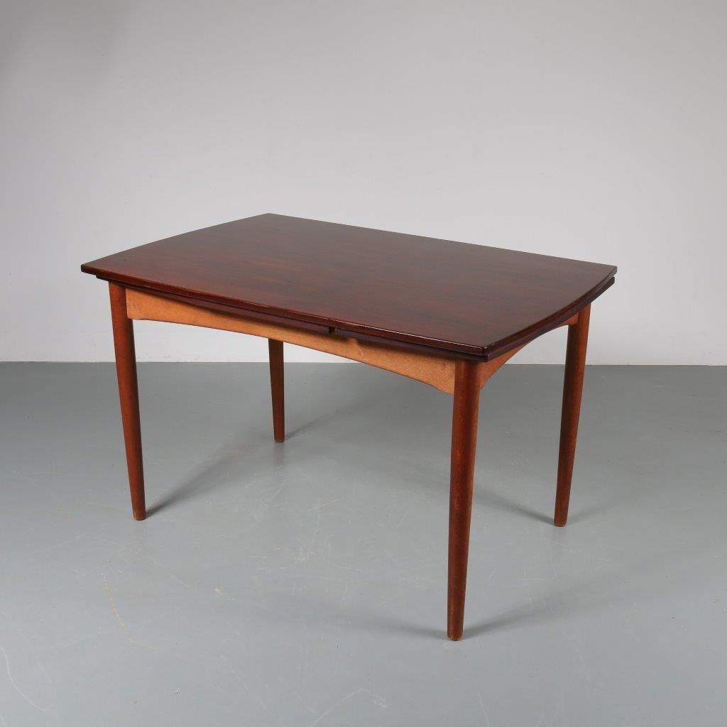 Ausziehbarer Esstisch aus Teak, 1950er