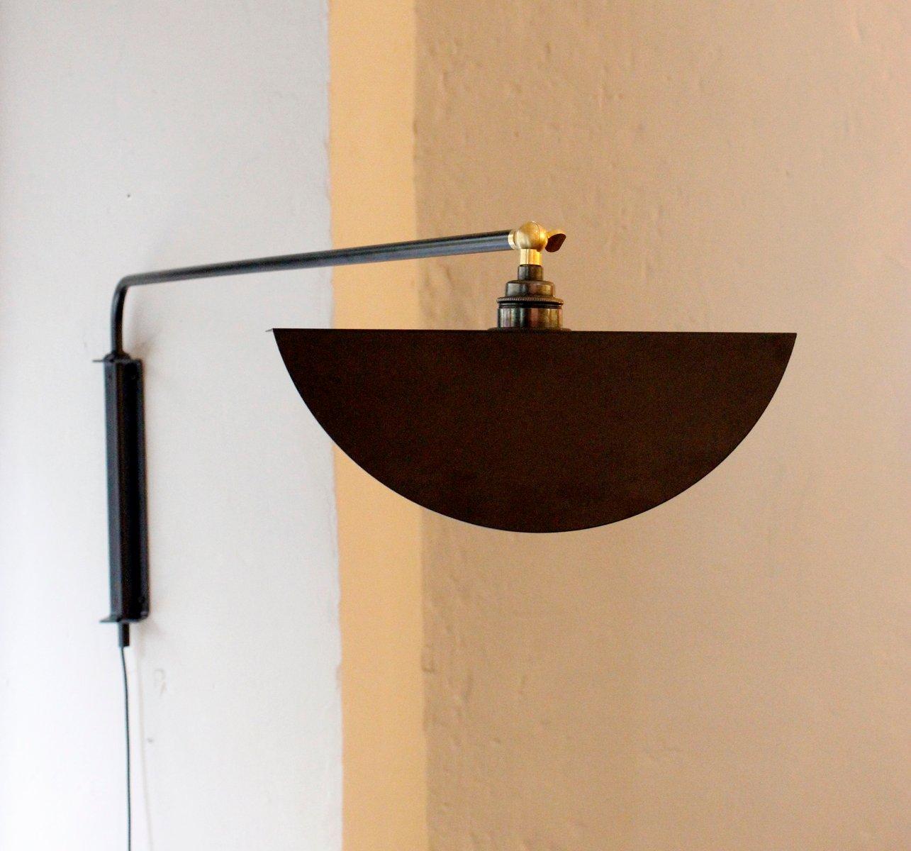 Schwarze Kepler Wandlampe mit verstellbarem Schirm von Juanma Lizana
