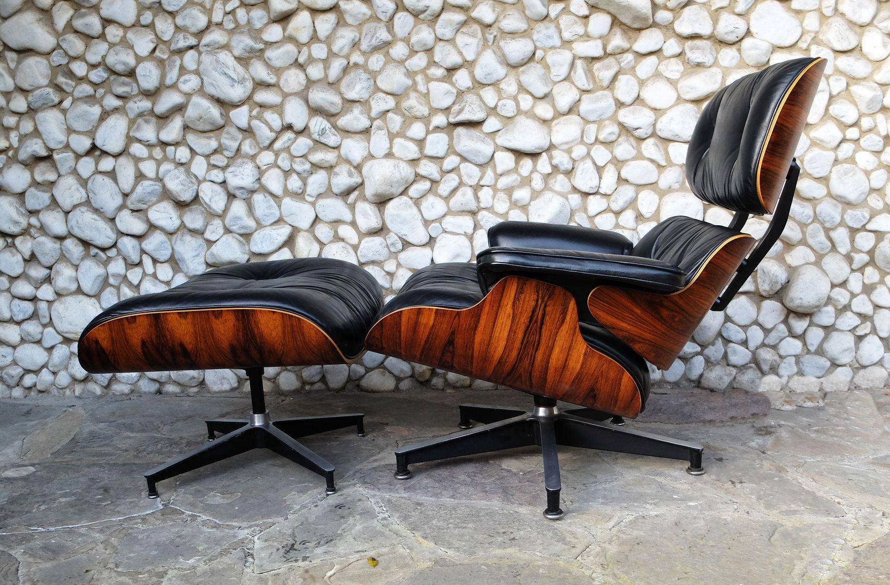 sessel und fu hocker von ray charles eames f r herman miller 1977 cafe konrad vib. Black Bedroom Furniture Sets. Home Design Ideas