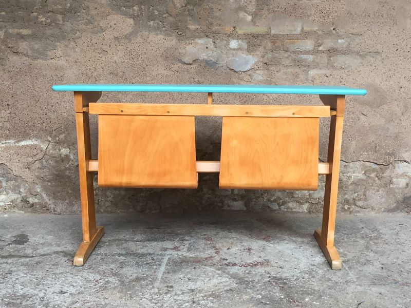 vintage schreibtisch f r kinder aus buche von casala bei pamono kaufen. Black Bedroom Furniture Sets. Home Design Ideas