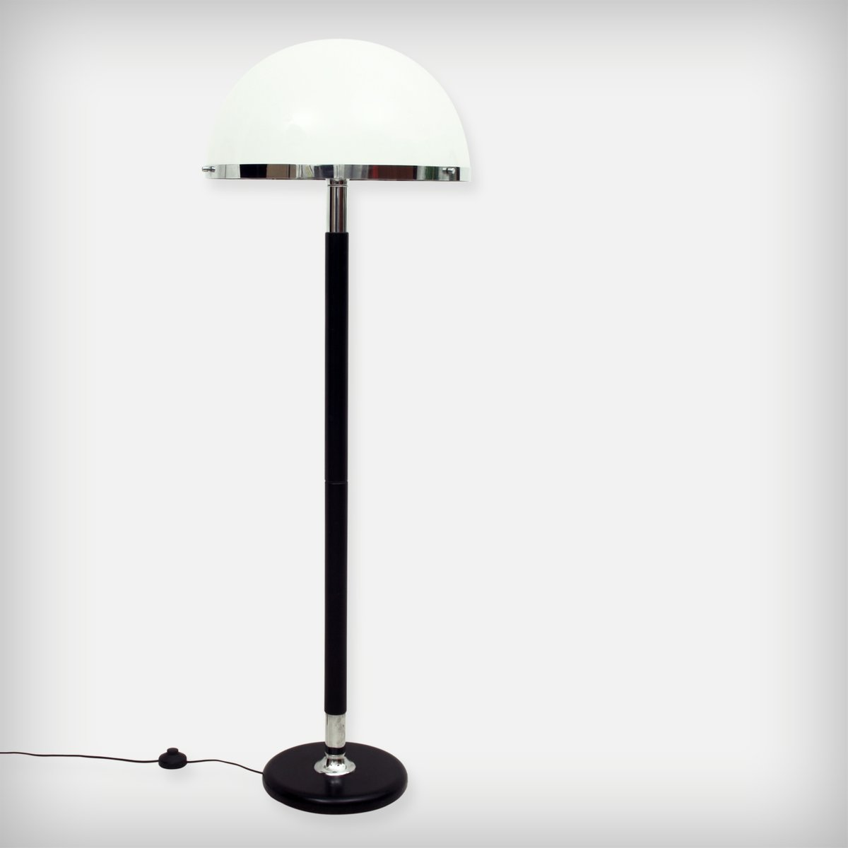 Schweizer Stehlampe aus Chrom, Holz & Plexiglas von Temde Leuchten, 19...
