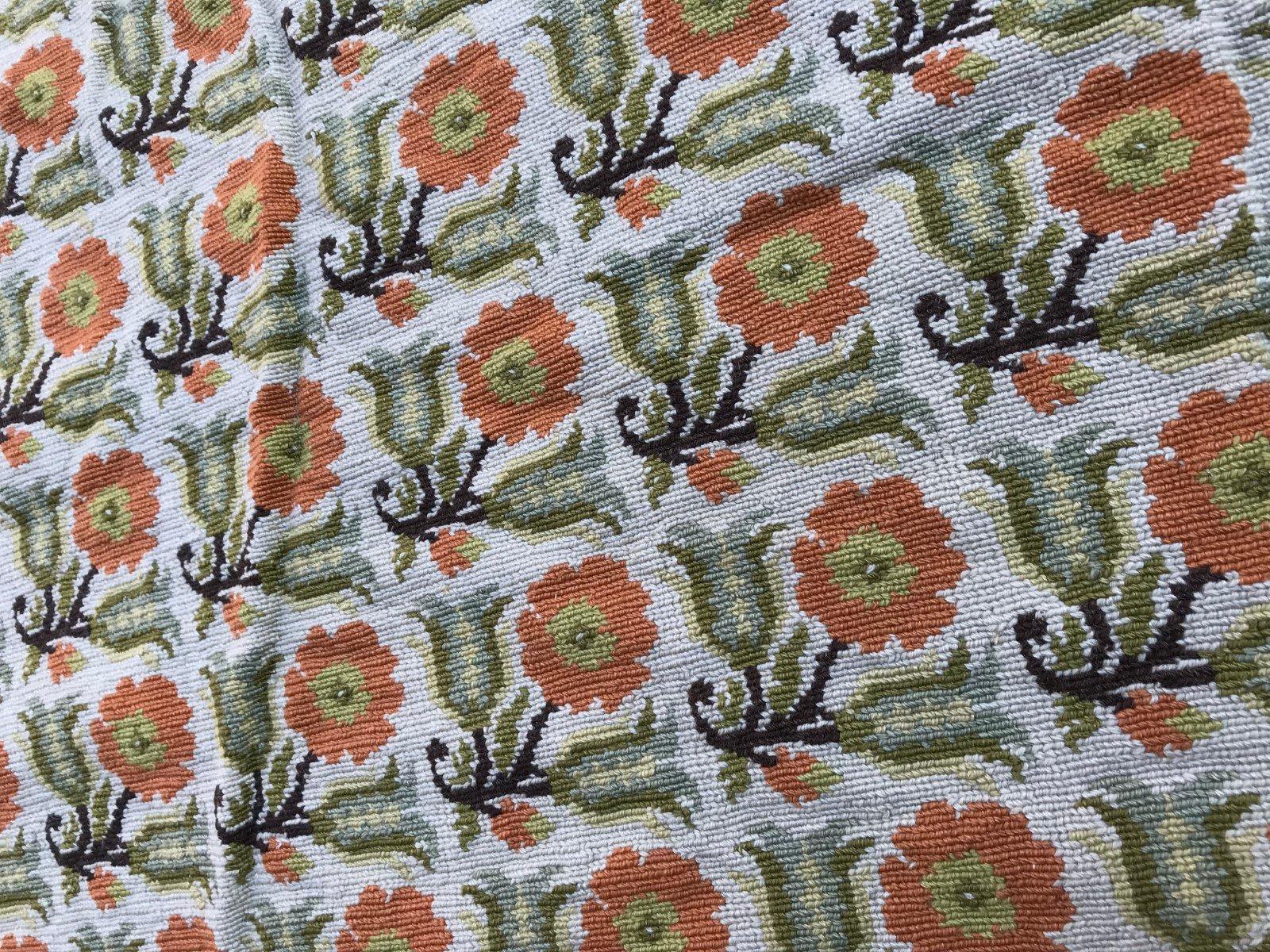 gro er vintage aubusson teppich mit gobelinstickerei bei pamono kaufen. Black Bedroom Furniture Sets. Home Design Ideas