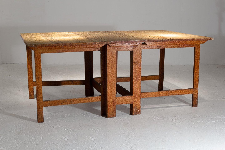 Lackierter schwedischer Gate Leg Tisch, 18. Jh.