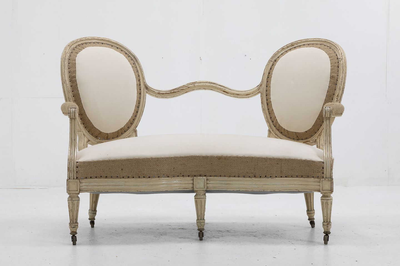 Französische Sofas mit lackiertem Gestell, 19. Jh., 2er Set