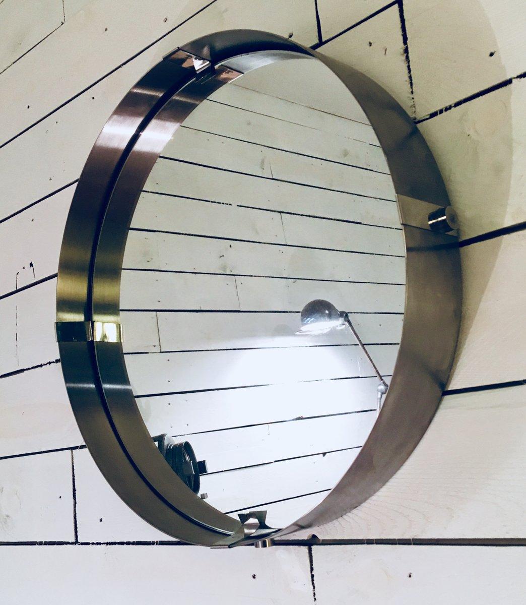 gro er runder spiegel mit rahmen aus geb rstetem aluminium 1970er bei pamono kaufen. Black Bedroom Furniture Sets. Home Design Ideas