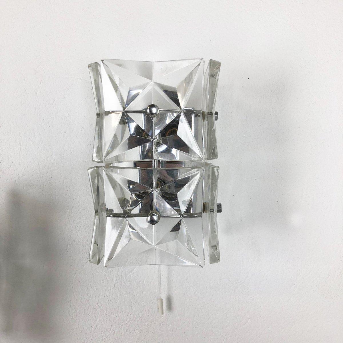 Große prismenförmige Mid-Century Wandleuchten aus Kristallglas von Kin...