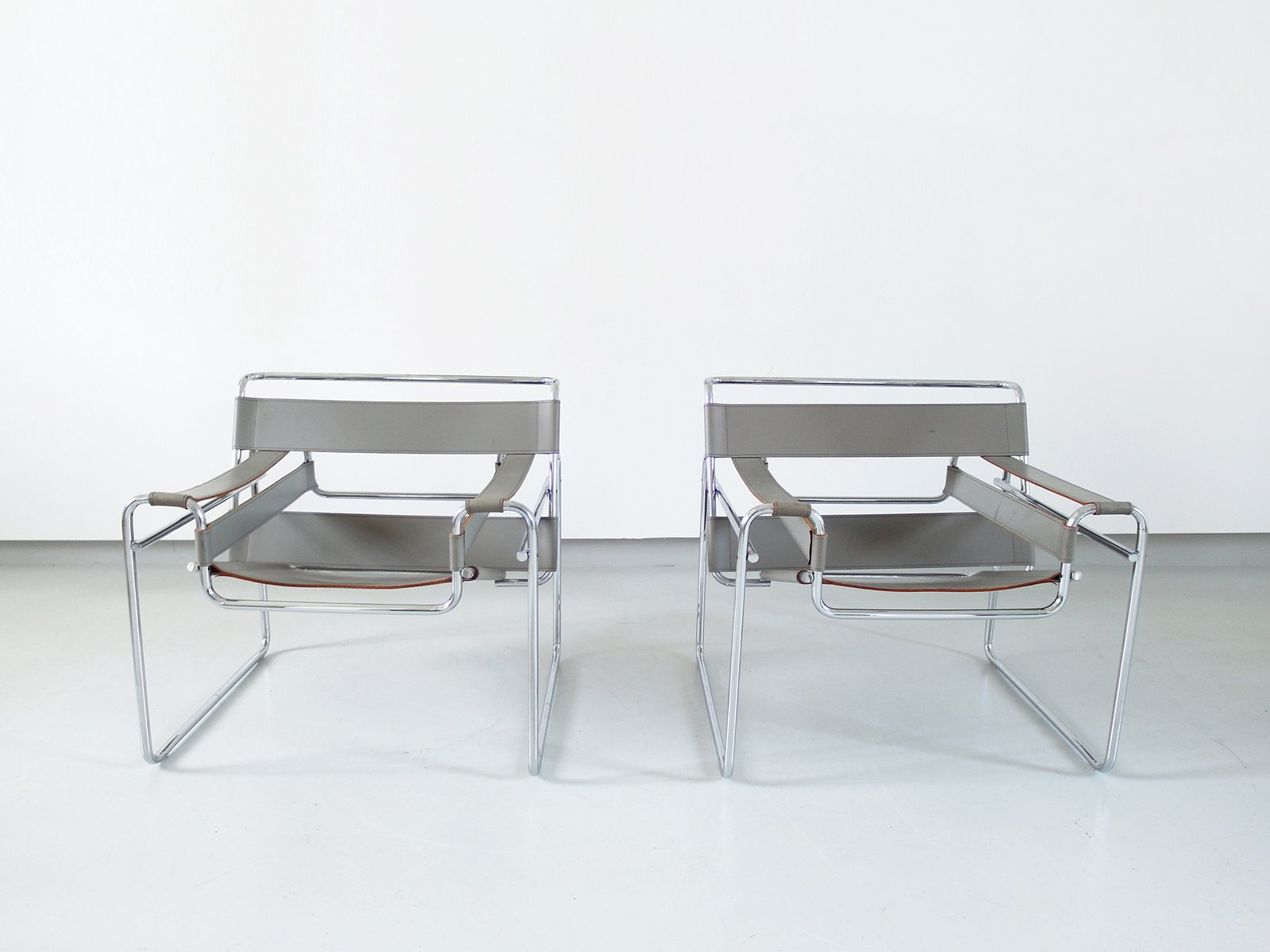 Chaises Wassily Par Marcel Breuer Pour Knoll International 1980s Set De 2