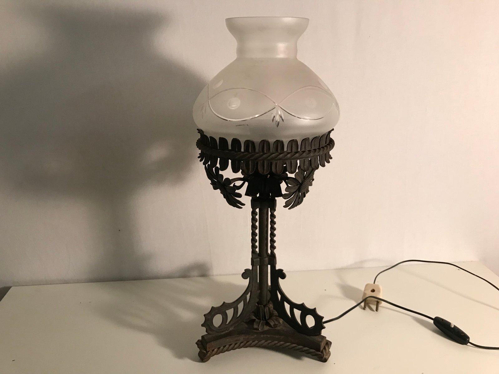 Lampe de bureau vintage en fer forgé en vente sur pamono