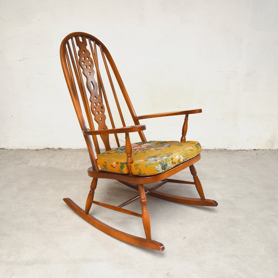 windsor rocking chair 1950s for sale at pamono. Black Bedroom Furniture Sets. Home Design Ideas