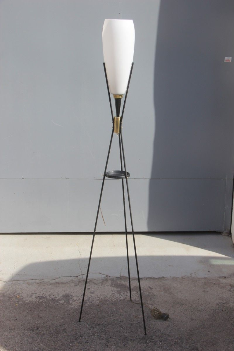 Stehlampe aus Messing & schwarzem Metall von Stilnovo, 1950er