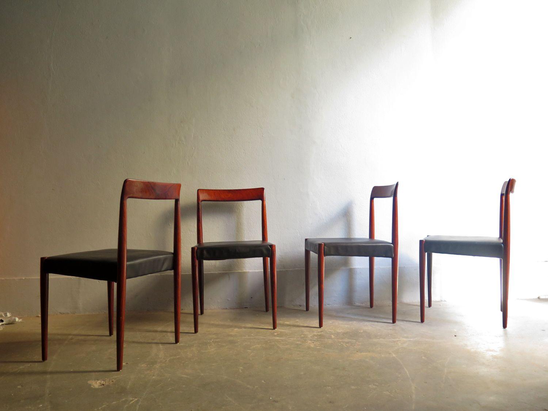 Sedie da pranzo vintage in palissandro con seduta in pelle nera di