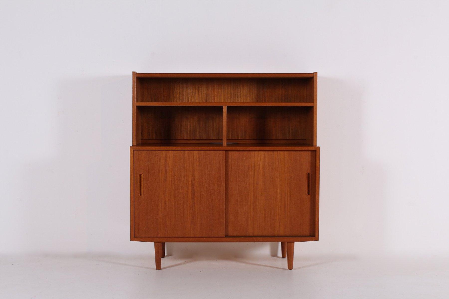 sideboard aus teak mit schiebet ren von poul hundevad f r hundevad co 1970er bei pamono kaufen. Black Bedroom Furniture Sets. Home Design Ideas