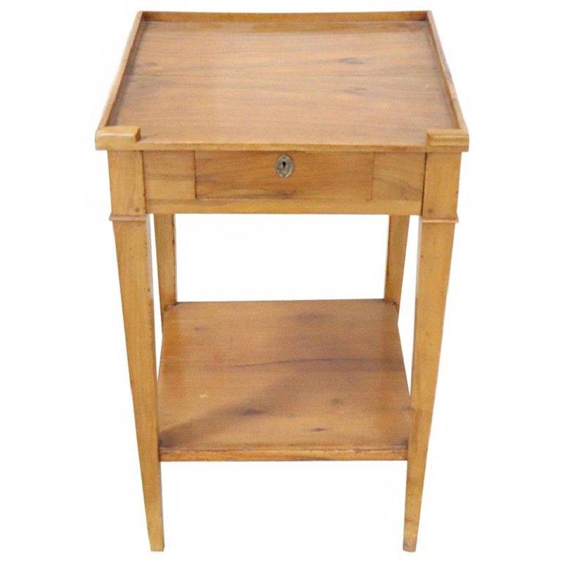 Mesa de centro antigua de madera maciza en venta en pamono for Mesas de centro antiguas
