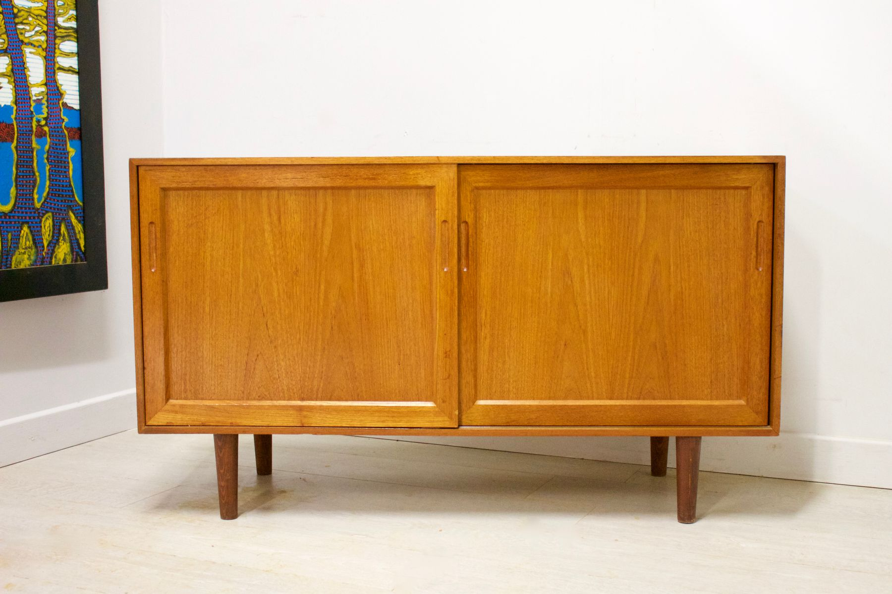 Dänisches Mid-Century Compact Sideboard oder TV Einheit aus Teak